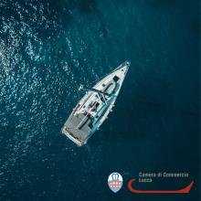 yacht nel mare